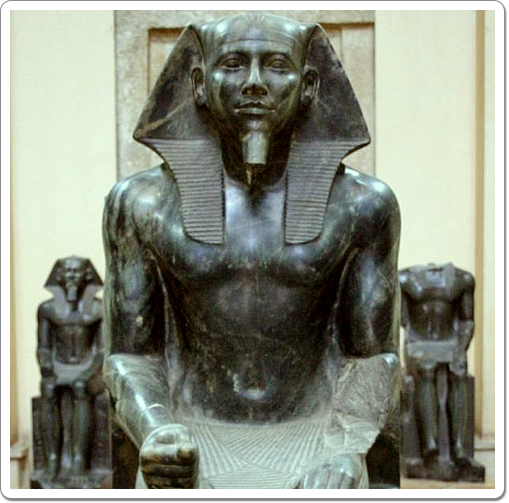 Khefren's most famous statue represents him seated on a his throne, protected by the god Horus.